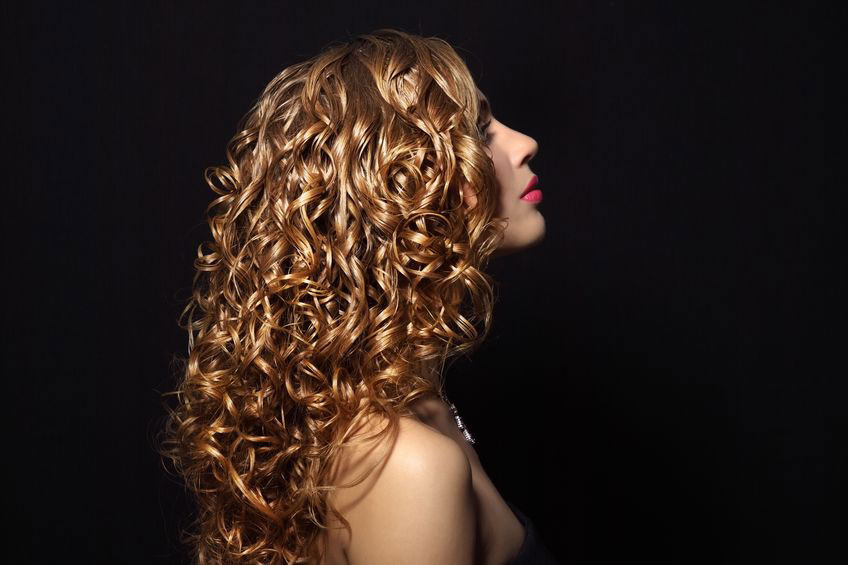 6 Must–Have Tools For Styling Curly Hair